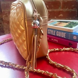 Vintage gold quilted crossbody chain bag